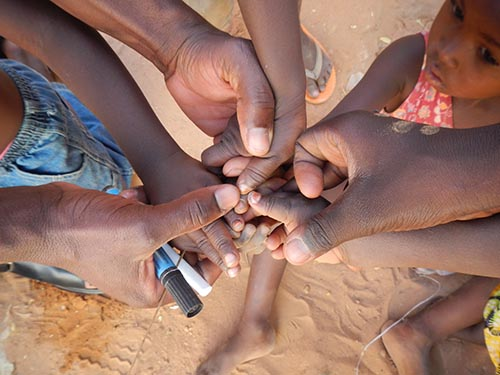Great fingermarks Mackenzie Andre Niger 2014