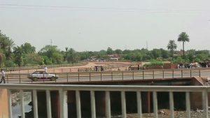A roadway scene in Niger.
